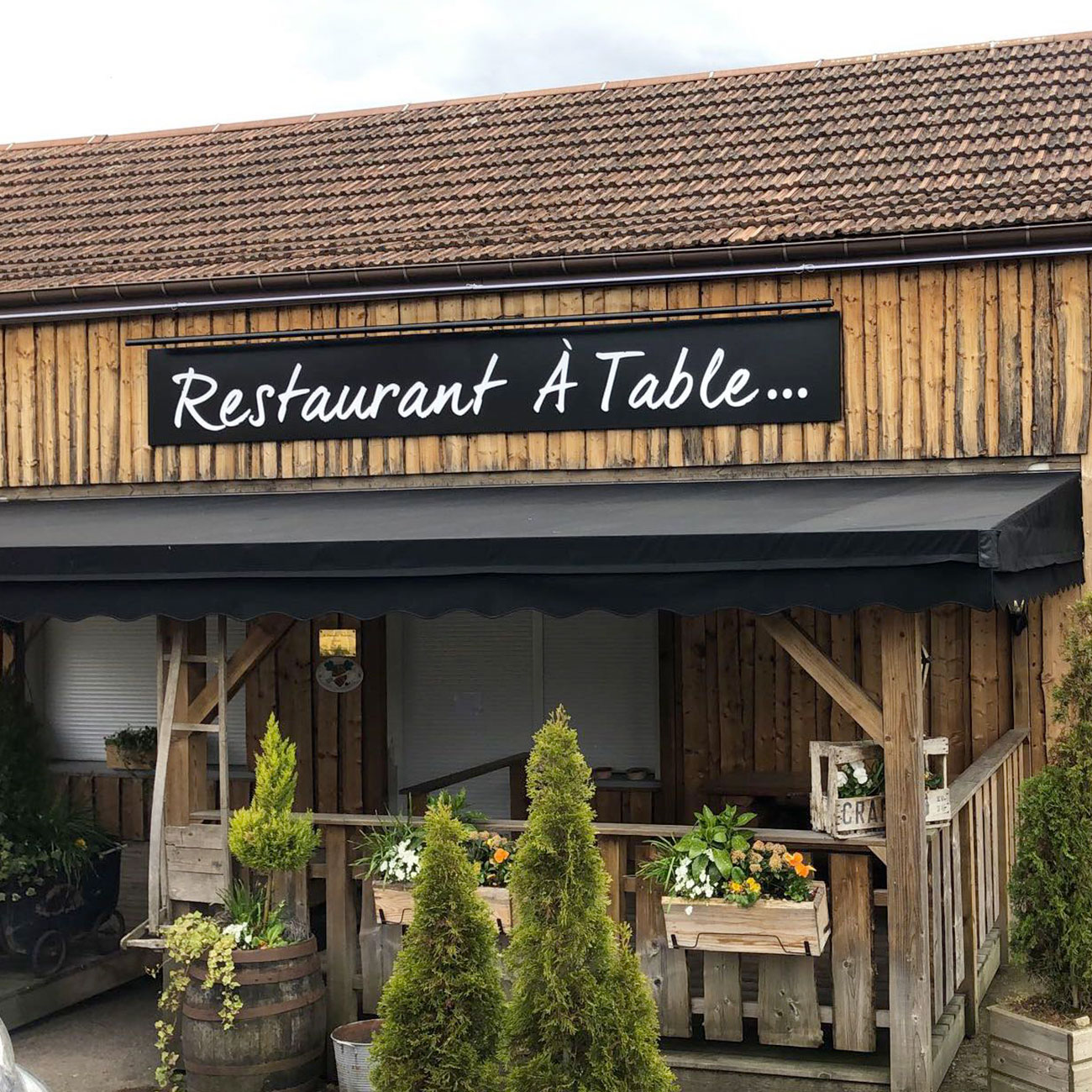 "Enseigne - Restaurant ""A table"""